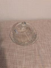 Teller mit Glocke aus Glas