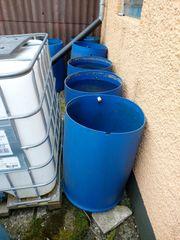 Blaue 200 Liter Wasser Fässer