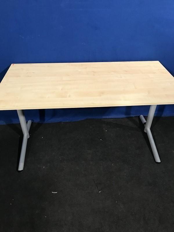 Schreibtisch 160x80 von OKA