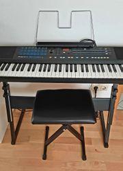 Keyboard Roland E 15 mit