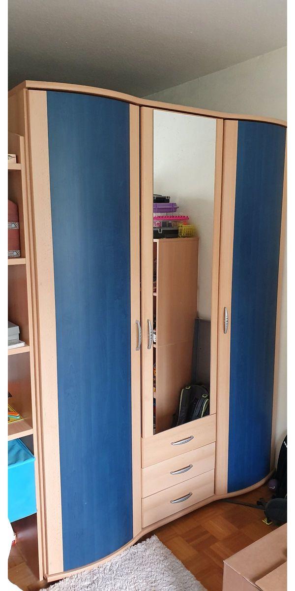 Kinderzimmerschrank blaue Türen Spiegeltür 3