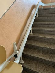 Treppenlift zu verkaufen