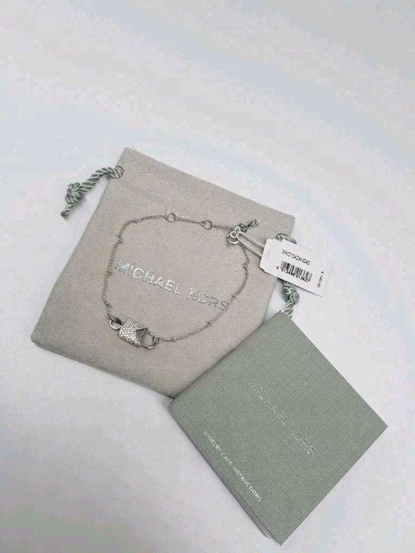 Neues Michael Kors Armband in silber für Damen in Rees