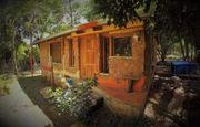 Granja mit zwei Häusern und
