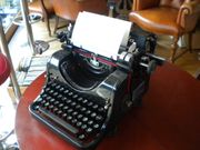 ANTIKE OLYMPIA Schreibmaschine