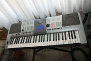 Yamaha YPT410 Keyboard