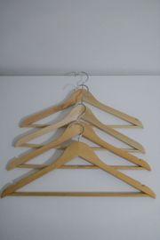 Kleiderbügel aus Holz 31 Stück