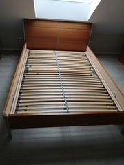Gut erhaltenes Musterringbett mit Hülsta