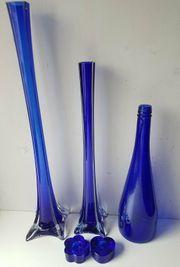 Glas Vasen blau hoch schlank