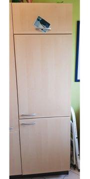 Küchenschrank für Einbaukühlschrank