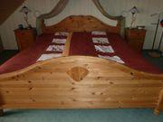 Doppelbett aus massiver skandinavischer Polarkiefer