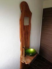 Außergewöhnlicher kleiner Waschtisch massiv Apfelholz