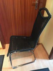4 Freischwinger Stühle schwarz Kunststoff-Geflecht