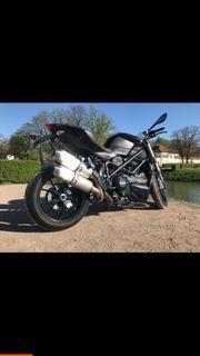 Ducati Streetfighter 848 mit Schaltbox