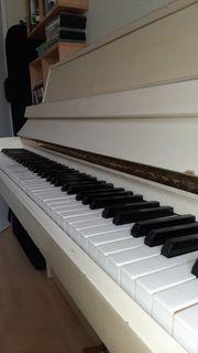 Klavier May-Berlin Farbe Elfenbein