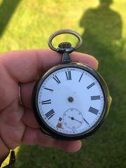 Sehr alte Taschenuhr