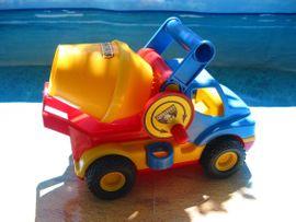 Wader- DickieToy- Construction- Bau-LKWs Bunte: Kleinanzeigen aus Nürnberg Mitte - Rubrik Sonstiges Kinderspielzeug