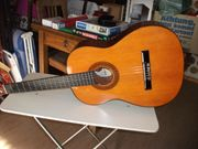 Konzert-Gitarre mit Tasche