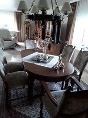 Esszimmer mit 6 Stühlen und