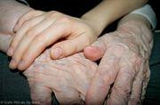 Mit Hand Herz und Emphatie
