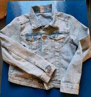 Neuwertige Jeansjacke kurz H M