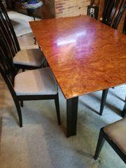 Ess- Wohnzimmerschrank inklusive Tisch und