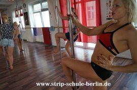 Stripper/-innen, Striptease - Online Live Stripkurs für Frauen