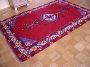 Teppich selbst geknüpft rot