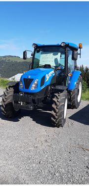 Traktor New Holland 4 65