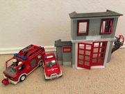 Kleine Feuerwehrwache mit 2 Feuerwehrautos
