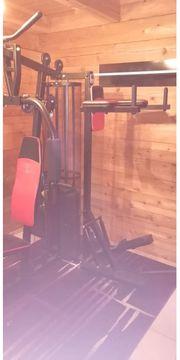 Fitnessgerät Kraftstation