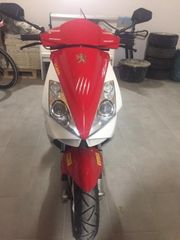 Roller Peugeot rot weiß
