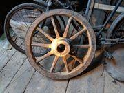 3 alte Wagenräder Holzräder