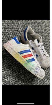 Adidas Superstars Größe 39