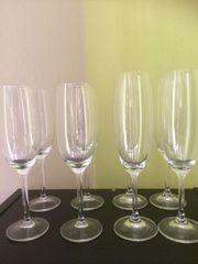 Sektflöten Weingläser Glasvasen rund nieder