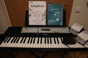 Yamaha Digital Keyboard mit Ständer