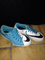 Nike Hallenschuhe Gr 33 5