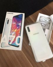Samsung A70 in Weiß