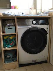 Wickeltisch über Waschmaschine