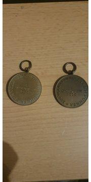 Abzeichen Orden Münzen Büste Schulterklappen