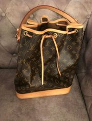 Louis Vuitton Noe Tasche