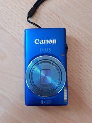 Kamera Canon IXUS in blau