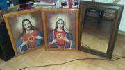 Heiligenbilder und einen alten Spielgel