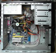 PC AMD 4800 Tastatur Maus