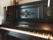 Klavier schwarz Lack
