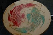 Echtholztisch mit Ying Yang Fisch