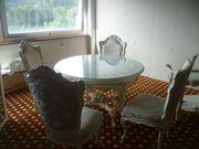 Esszimmertisch rund Antik im Barock