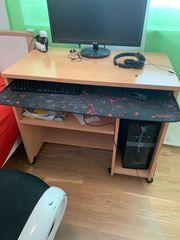 Schreib tisch mit schreib stuhl