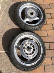 Neuwertige Metzeler Reifen auf Kompletträder