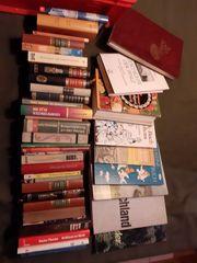 Über 200 Bücher